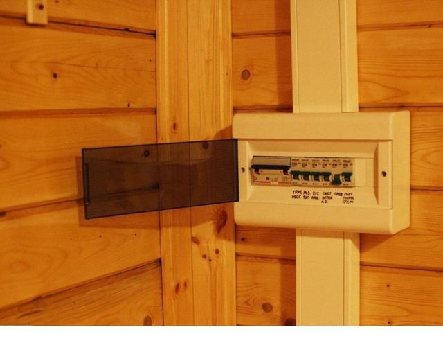 Ошибки проводки в гофре: отличия, как выбрать, на улице и в доме