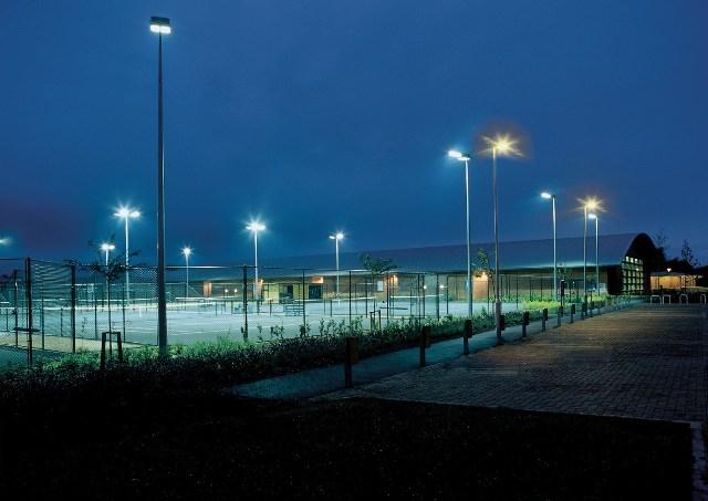 Газоразрядные и светодиодные лампы для улиц и промышленных помещений - сравнение, достоинства и недостатки