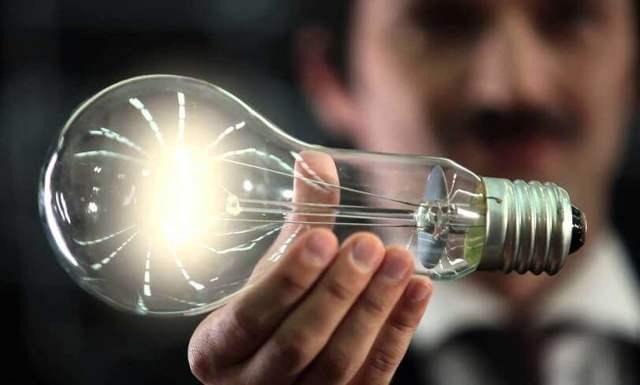 Метод электромагнитной индукции при беспроводной передаче энергии