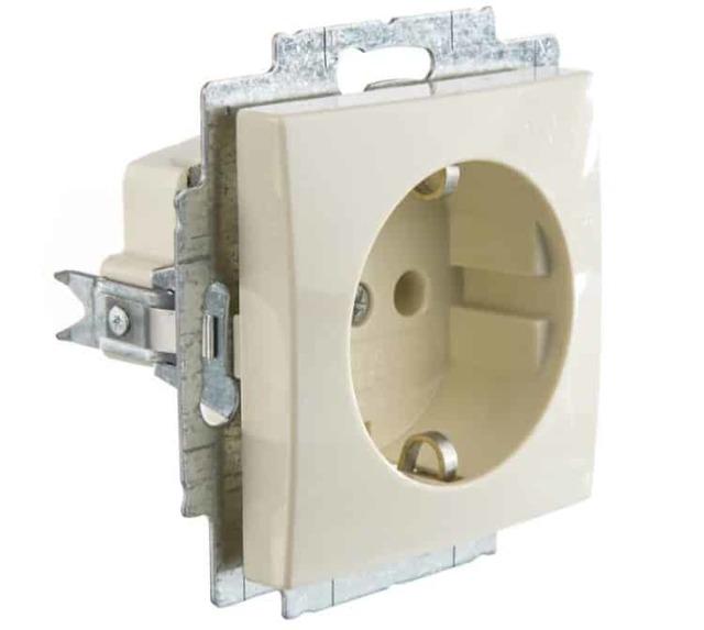 Особенности монтажа розеток и выключателей на различные поверхности