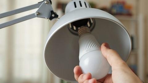 Непростые проблемы питания светодиодных ламп