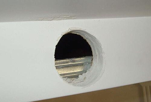 Как проложить провода к светильникам при отсутствии подвесного потолка