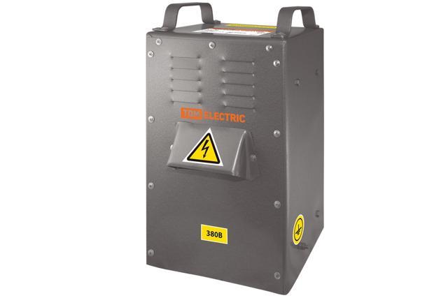 Самодельный понижающий трансформатор для работы в сырых помещениях