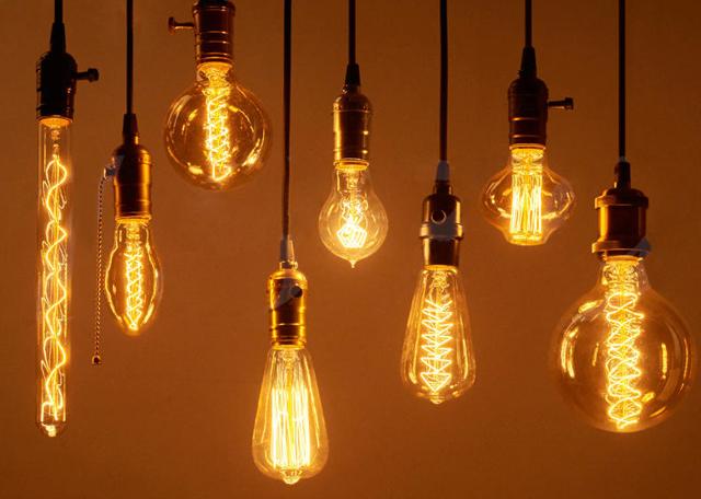 Кто на самом деле изобрел электрическую лампочку