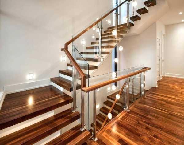 Как автоматически управлять освещением лестницы