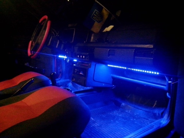 Делаем светодиодную подсветку салона автомобиля