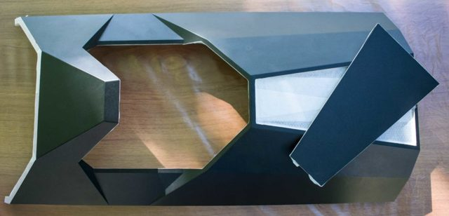 Моддинг компьютера с помощью красиво подсвеченного аналогового вольтметра