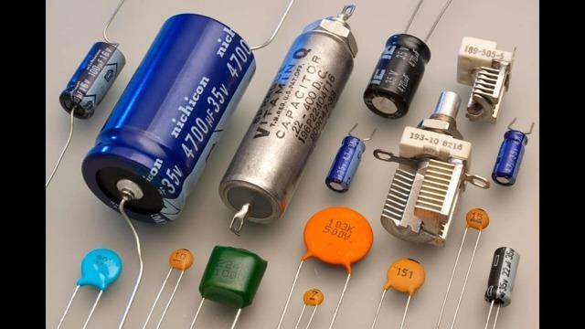 Конденсаторы в электронных схемах