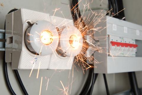 Неполадки в электропроводке: что делать и как их устранить?
