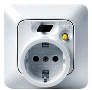 Как уберечь детей от поражения электрическим током